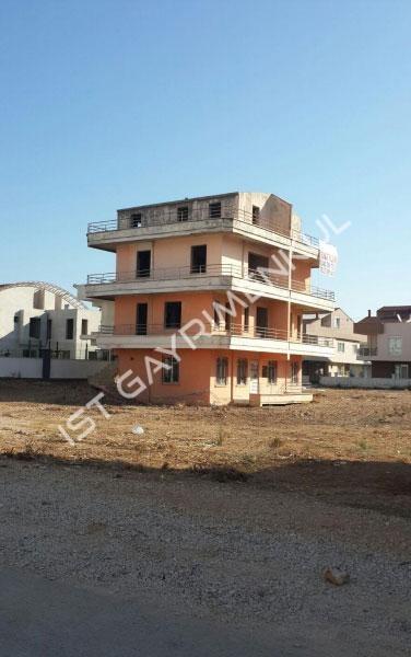 Fırsat !!! Güzeloba Martılıda satılık komple bina